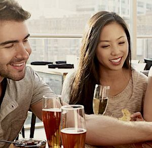 Effective Speed Dating Events Introduce & Match Singles in Canada