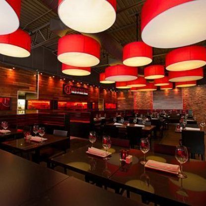 Houston Avenue Bar + Grill (Square Victoria)